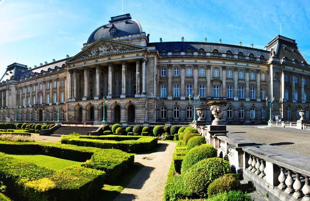 5 самых красивых и больших дворцов в мире