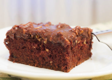 Американский пирог: 3 рецепта техасского бисквита