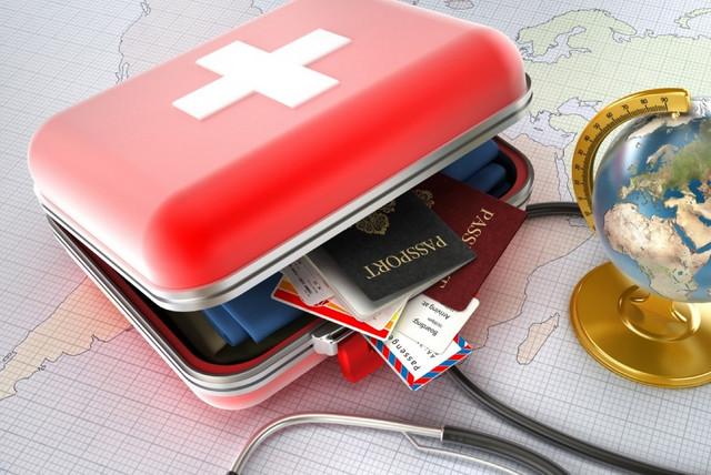 Аптечка на море: список лекарств на отпуск