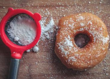 5 классических рецептов домашних пончиков