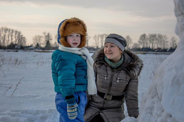 Гуляем с детьми зимой на улице: как оставаться в тепле