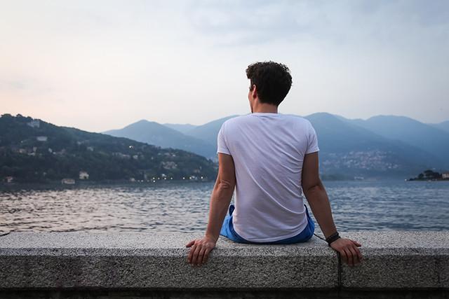 Почему 30-летние мужчины остаются холостяками