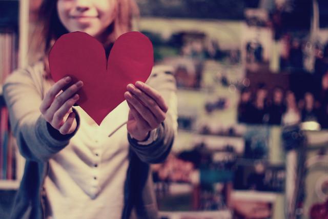 Что дарить на День святого Валентина: правила этикета