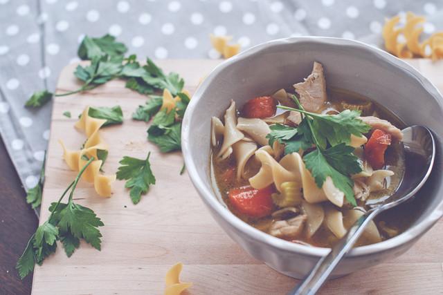 ТОП-5 очень вкусных и простых рецептов куриных супов