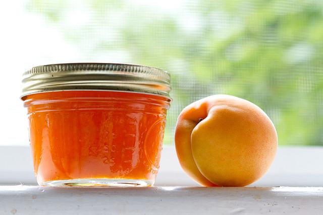 Как варят абрикосовое варенье в разных странах
