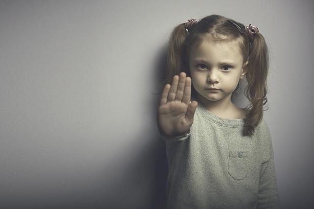Безопасность детей: чему отец должен научить ребенка