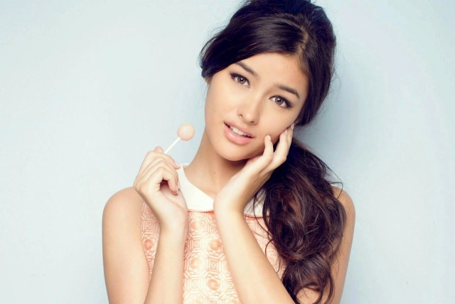 ТОП-10 самых красивых женских лиц: мнение медиа