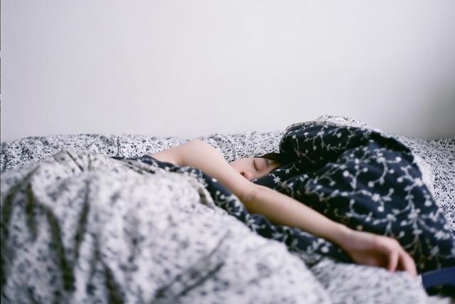 Что делать когда ночью не уснуть а днем не проснуться