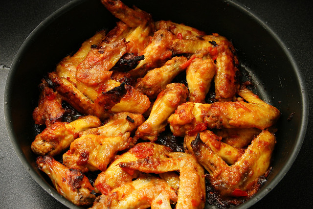 Что вкусного приготовить из куриных крылышек