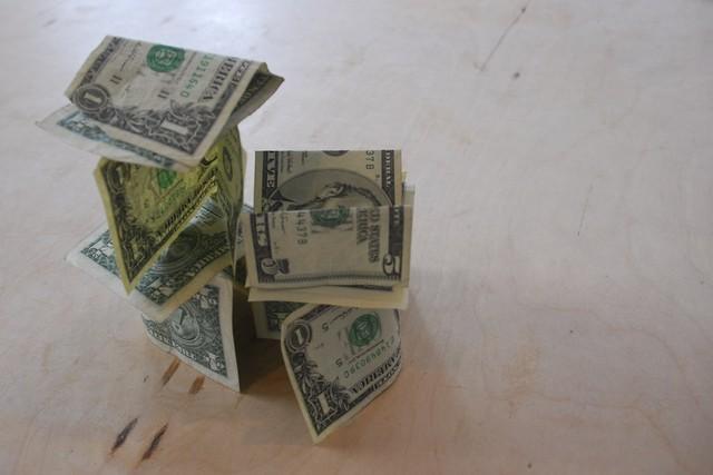 Как правильно отказать и не давать деньги в долг
