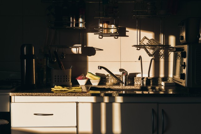 5 вредных вещей которые все делают на кухне