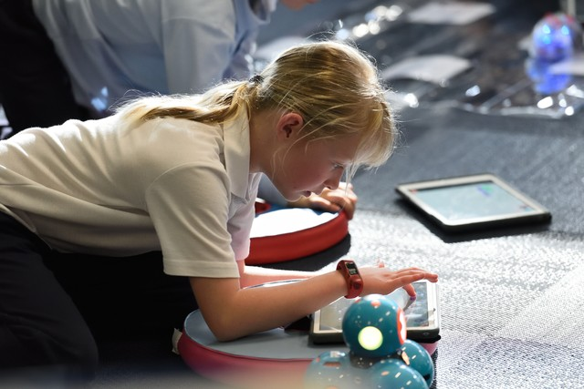 Что такое AirDrop и почему его используют дети