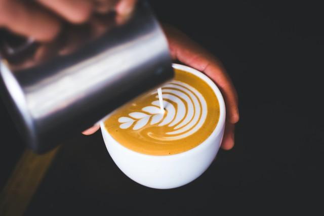 10 примеров красивого латте-арта для настроения