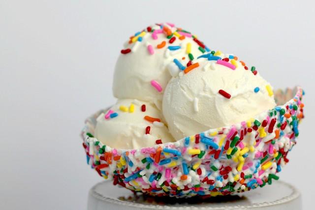 Вкусное домашнее мороженое: ТОП-5 простых рецептов