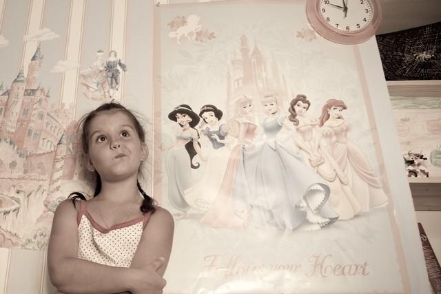 10 признаков чрезмерной родительской опеки