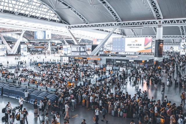 Аэропорты и вокзалы: самые грязные места